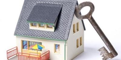 新房价格暴涨,二手房价格不涨。刚需会买新房还是买二手房?