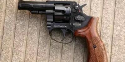 05式手枪的威力并不大,中国警察队伍,为何要大规模使用?
