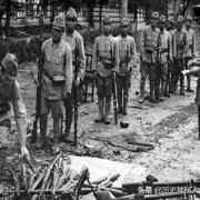 日本战败后,士兵回国,结发妻子是怎样迎接的?