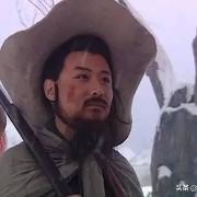 水浒传中,同样被发配,为什么林冲差点被打死,而武松却很自由?