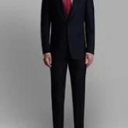 出席正式场合穿高跟鞋配肉色丝袜好还是光腿好?