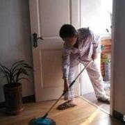 老公月薪6万,但是很懒,啥家务活都不做,该怎么办?