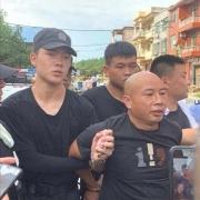江西杀3人嫌犯曾春亮落网时,警方抓捕时为何扒掉他的裤子?