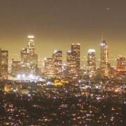 美国加州爆发大规模反封锁抗议潮,州长谴责没用,市民宁死也要自由,怎么评价?