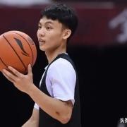 徐杰疑似交上新女友,他会不会成为刘晓宇,场上的状态会受影响吗?