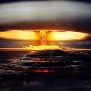 当今世界,不使用核武器的情况下,全世界所有国家能打败美国吗?