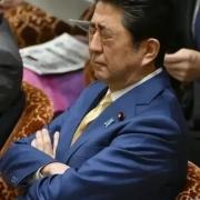 日本首相安倍辞职是福还是祸?