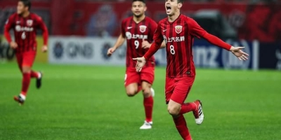 上港势头强劲,如果和欧冠冠军拜仁踢一场,结果如何?