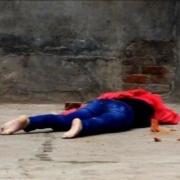 男子用砖块砸死女友,为什么要选择这种残忍的方式?