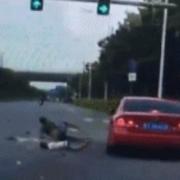 电动车酒驾无证逆行全责死亡,撞到一辆劳斯莱斯造成200W损失,交警怎么判啊?
