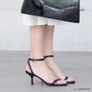 女生的脚多大算大?