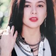 用四个字形容关之琳的美貌,你会想到什么 ?为什么?