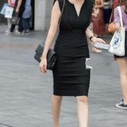 为什么成功的女人都是高跟鞋!普通妇女都是平底鞋?