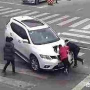 车子保险齐全,正常行驶撞死人,要不要担刑事责任?