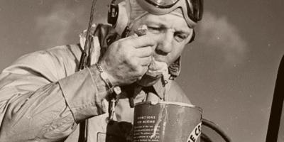 """二战美国""""五等人""""的海军陆战队伙食待遇如何?"""