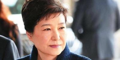 """把崔顺实和柳荣夏列为朴槿惠的最佳""""猪队友"""",有没有道理?"""
