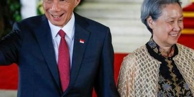 """新加坡总理夫人何晶吐槽美国""""双重标准"""",不怕美国报复吗?"""
