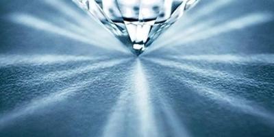 为什么奢侈品珠宝品牌的钻石不重视颜色?