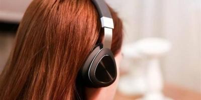 听说用耳机能损伤听力,这是真的吗?