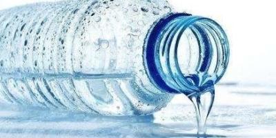 人类现在用水烹煮食物,温度最高是100度,有没有可能使用另外的液体代替水烹饪?