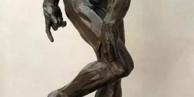 如何评价奥古斯特·罗丹的雕像作品画风以及他在艺术史上的地位?