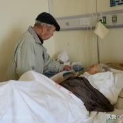 很多农村老人会在快去世的时候,自己穿上孝衣,这其中有什么说法吗?