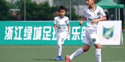中国校园足球应怎样与职业足球结合发展?