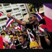 泰国内乱:要求废止王权,实行君主立宪,英拉能否担任首相?