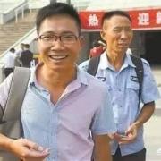 """曾经的""""高考疯子""""吴善柳,十年间复读8次考上9所重点大学,如今清华毕业过得怎样?"""