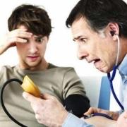 患高血压的人测量后显示低压110高压150,但是头也不晕,这种现象危险吗?