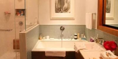 在家洗澡上厕所是否需要反锁,是否要为了家人感受改变自己习惯?