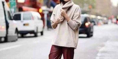 酒红色短款外套,里面配什么衣服比较好?