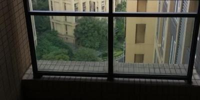 在成都郊区买新房好,还是在老城区买二手房好?