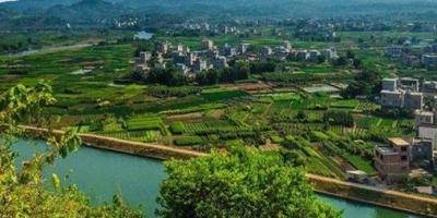 广西荔浦县为什么能划市?