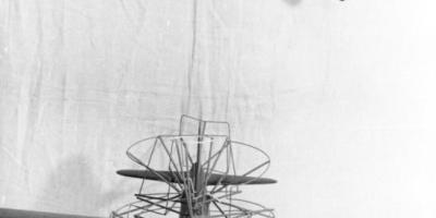 二战的轰炸机可以装10个炮塔,为什么还是打不过战斗机?