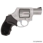 在美国买枪和子弹要多少钱?你怎么看?