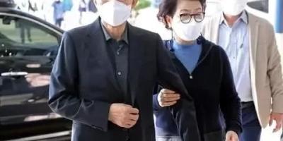 李明博正式入狱服刑,朴槿惠状况如何?