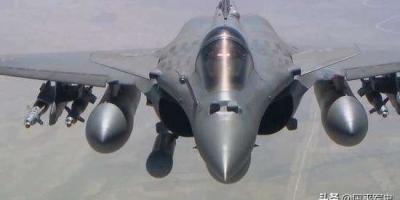 歼20比阵风战斗机哪个性能好些?
