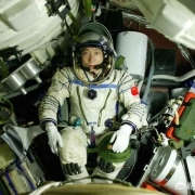 杨利伟降落地球后,为何再也没重返太空?