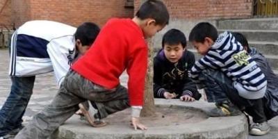 城里有的孩子回到农村,生活不能适应,如厕更为不适,大家如何看?