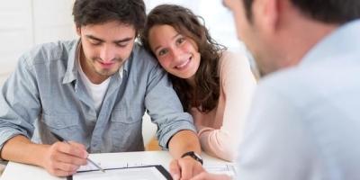 婚后购买的房产,房产证只写了一个人名字,如离婚是否属于夫妻共同财产,必须平分?