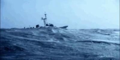 军舰在海洋里行驶,一般能抗多少级风浪?会不会沉没?