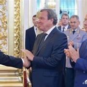 叶利钦的死对头索布恰克当真是普京冒着风险偷偷送去法国的吗?结果如何?