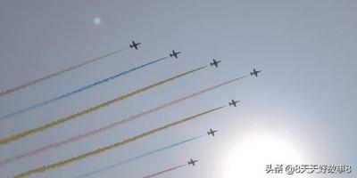 阅兵现场看飞机是怎样一种体验?