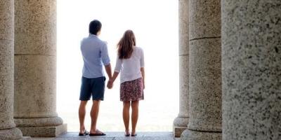 在大学时和本班的同学恋爱是什么体验?