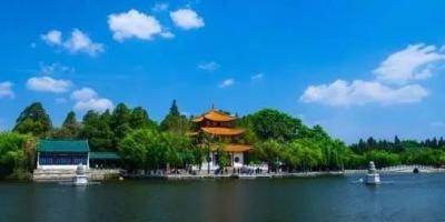 在北京有一套房和稳定工作和在县城有一套房和稳定工作,有什么区别?
