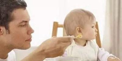 宝宝9个多月了,突然不吃辅食了,还开始流口水是怎么回事?