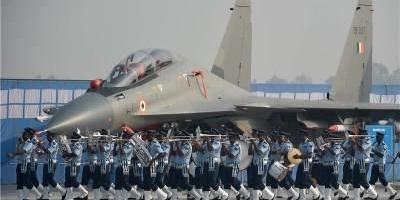 为何欧美等国都愿意卖武器给印度?