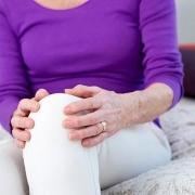 许多的老年妇女为什么都膝盖疼?有什么好的办法?