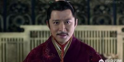 电视剧《琅琊榜》中,梅长苏为什么选择先扳倒太子再誉王?
